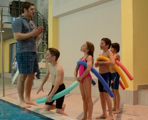 Schwimmtrainer für Kinder